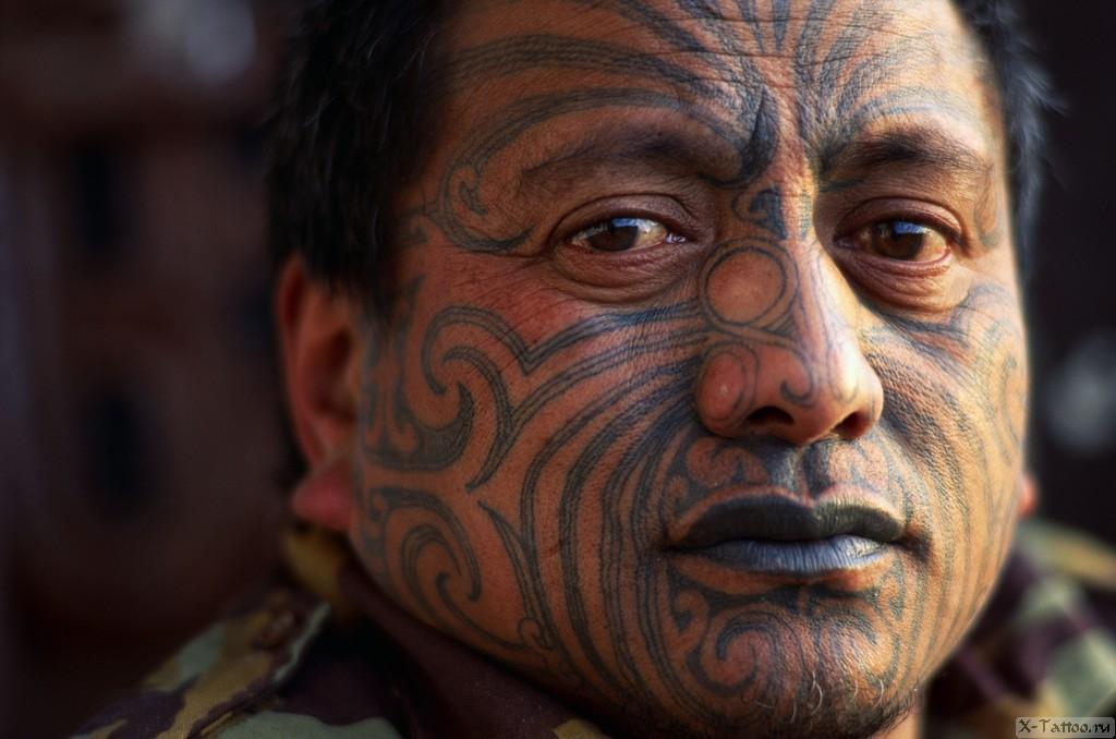 племенной рисунок на лице