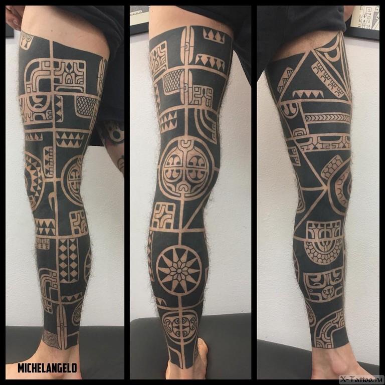 черные рисунки на ноге